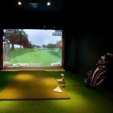 Eagle Club Indoor Golf photo